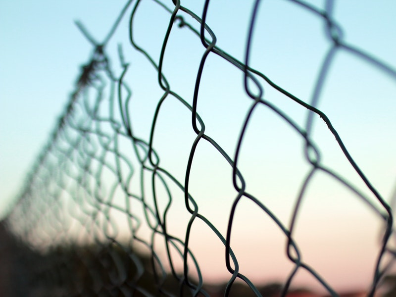 fence-obstacle-wire-mesh-7430